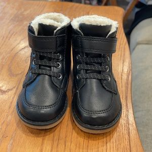 Old Navy Boy's Winter Black Boots Shoes Size 13.5